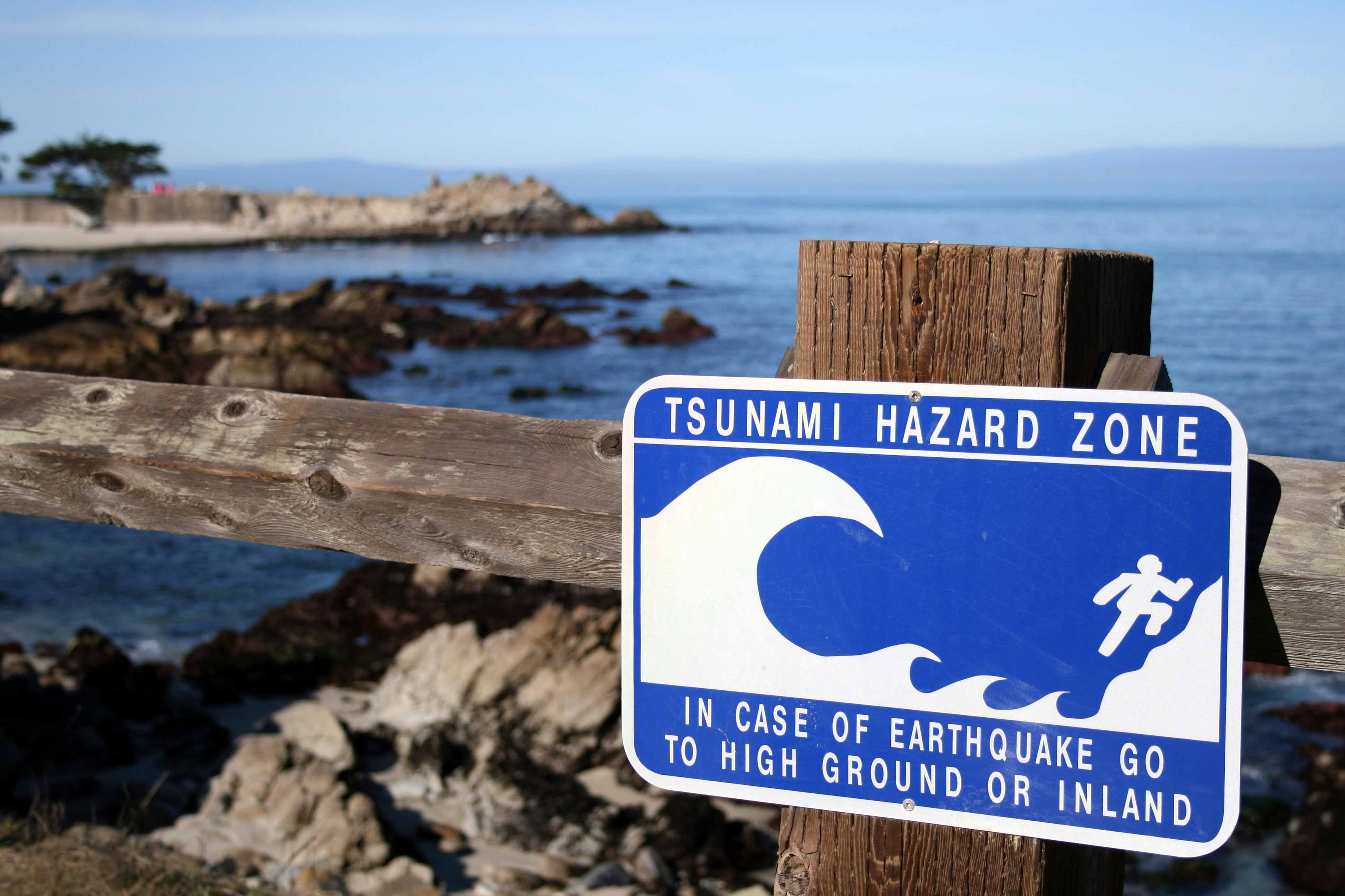 tsunami facts how they form warning signs and safety tips - HD1600×900